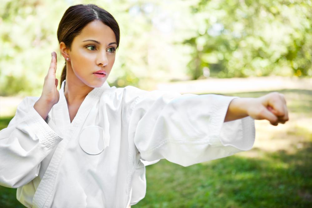 karate-woman